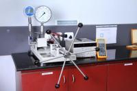 High pressure gauge calibrator